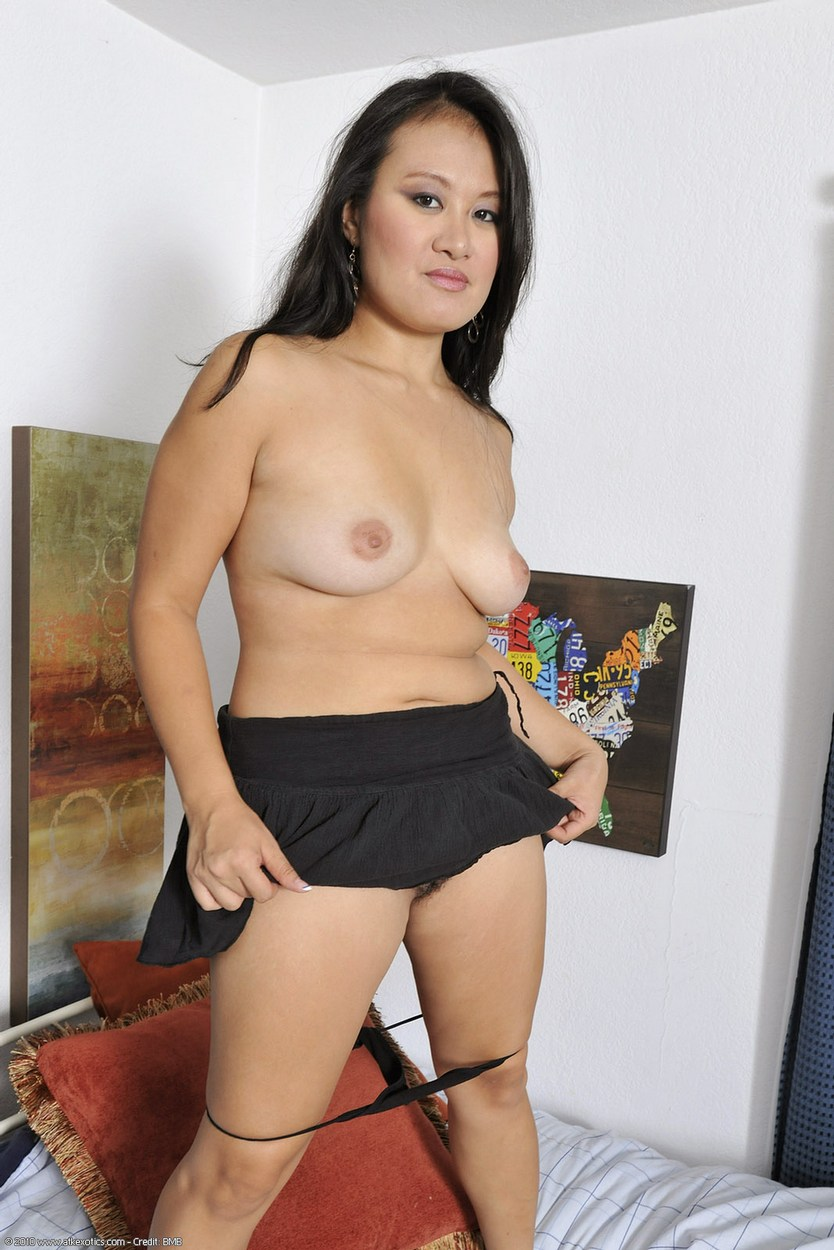 mature asian shaved pussy
