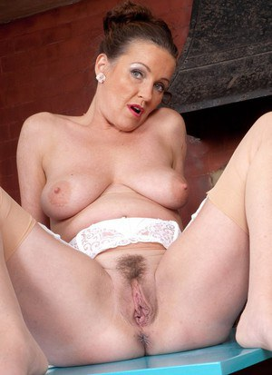 leah remi naked