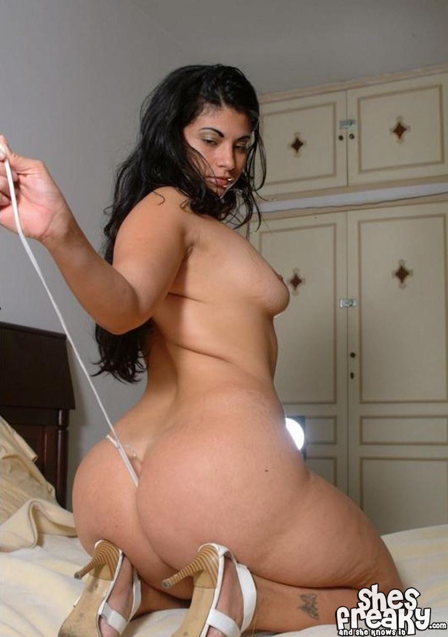 Curvy Arab Girl